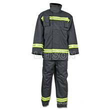 Fire fighting Suit with flame retardant