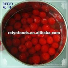 Conservas de cereja vermelha em calda