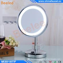Le miroir LED illuminé par support latéral simple de table avec le CE a approuvé