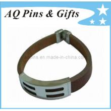 Bracelets en cuir avec boucle et fermoir