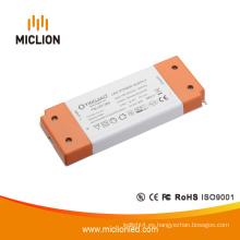 Fuente de alimentación LED de voltaje constante de 15W 12V / 24V