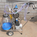 PVC barrel Mobile Milking Machine for Cow
