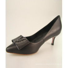 черные вечерние туфли женщин