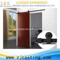 Material de la puerta de granero de madera del estilo de América que se desliza / acero de carbono negro Hardware de la puerta del granero de desplazamiento