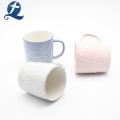 Hot Sales Modernes Design Keramik Relief Cup Becher Mit Griff