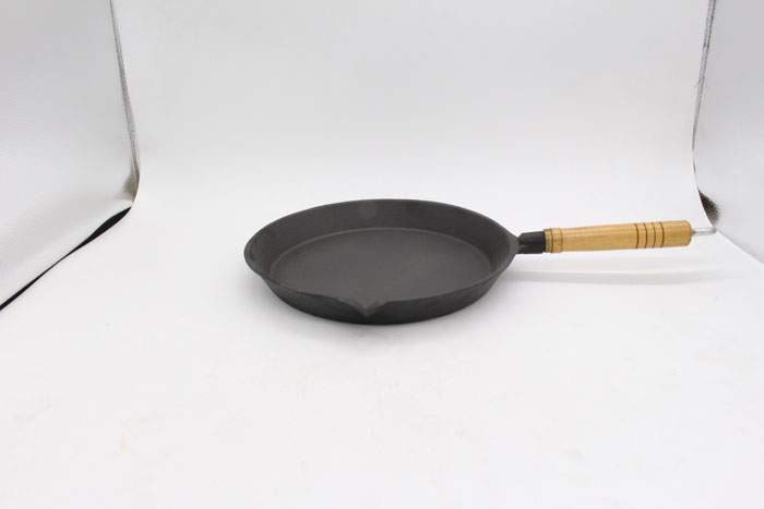 Seasoned Cast Iron Pan And Skillet