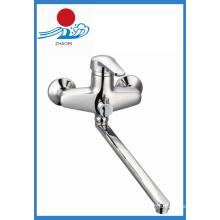 Настенный кухонный смеситель Латунный смеситель для воды (ZR21903)