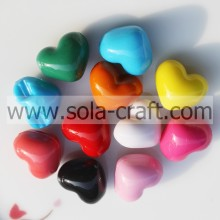 12 * 14 * 17 MM solide Opaque couleurs brillante cœur motif de perles de charme
