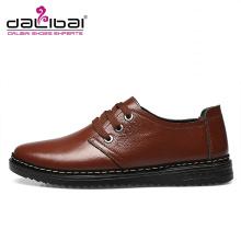 O preço de fábrica por atacado macio PU couro formal marrom sapatos para homens