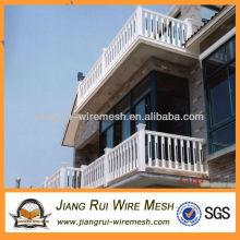 Трубчатый балконный забор