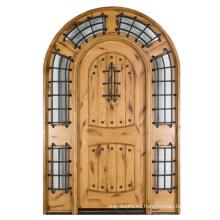 Puerta exterior arqueada de madera maciza