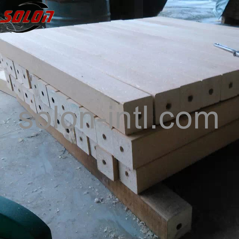 Automatic wood block cutter machinery for pallet feet