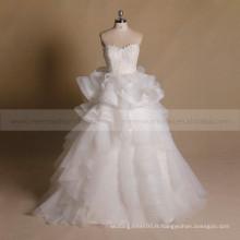 Graceful Sweet Heart Lace Applique perlée à volants Robe de mariée en jupe