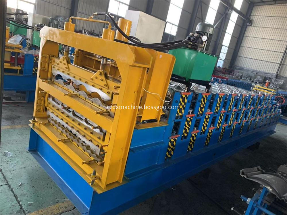 Three layer metal panel roll forming machine