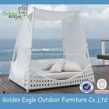Weiße Weidenrutsche im Freien Sunbed mit Überdachung