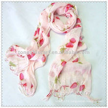 Woven Strawberry Scarf (PINK)