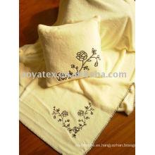 Bordar manta de lana de coral estampada