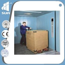 Capacidad de acero pintada 3000kg Velocidad 0.5m / S Freight Elevator