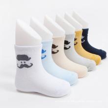 Venda quente meninos tripulação algodão meias com desenhos de bigode