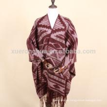 Geometrisches Wickelkleid aus Wolle für Frauen