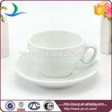 2015 Innovador de bajo precio de productos de cerámica porcelana blanca taza de café y platillos al por mayor