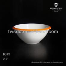 porcelaine blanche servant des bols, saladier céramiques