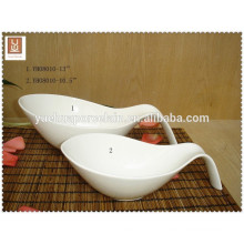 Cheap big white porcelain salad bowl with handle