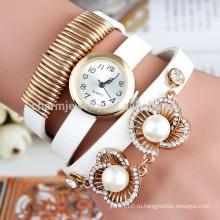 Новый 2015 Мода женщин Жемчужина браслет часы, очарование Кварцевые часы дамы моды часы кожаный ремешок случайные наручные часы BWL014