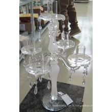 Porte-bougie en verre givrant avec cinq affiches.,,