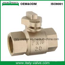Válvula de bola de latón con cerradura de calidad personalizada (AV40010)
