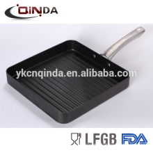 Die casting deep grill pan with stainless steel revit
