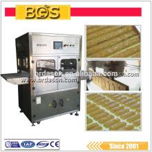 Inline Food Ultrasonic Slicing Machine com correia transportadora para barra de doces Swiss Roll etc
