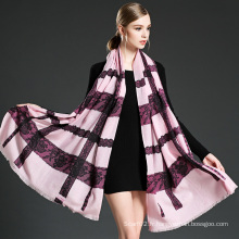 Foulard écharpe en laine à la dentelle rose femme