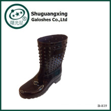 2014 горячей продажи заклепки ПВХ дождя сапоги, дождь обувь для женщин