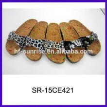 Neue stilvolle Art und Weisedamen flache Sandelholze China billige Sandelholze Damen Sandalen Foto
