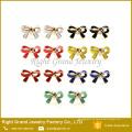 Colores surtidos de esmalte de cinta de colores Pendientes de perno prisionero de colores surtidos