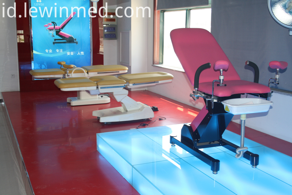 Multifunction obstetric bed