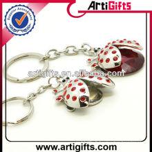 Cadeaux faits à la main de keychains en métal de forme d'insecte