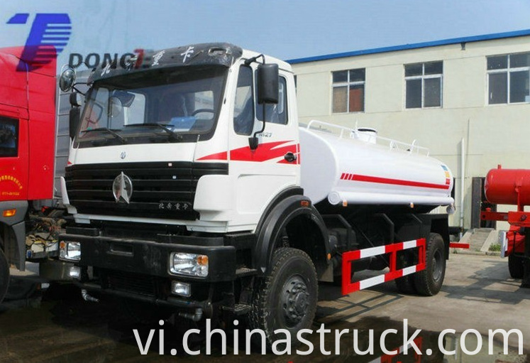 BEIBEN 4x4 military use water truck