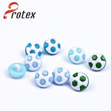 Nuevo diseño de plástico de fútbol de moda botón para suéter de los niños