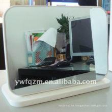 Espejo con marco de madera de alta calidad