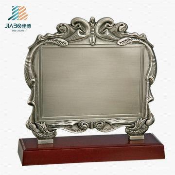 Personnalisé 17.5 * 16.5cm Logo Antique Silver Blank Métal Souvenir Plate