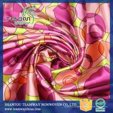 Kundenspezifische hochwertige bedruckte Polyester Satin Stoff für Kleid