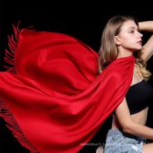 Meilleure vente usine femmes mode dame qualité a volé écharpe glands acrylique hiver châle