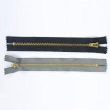 Fabricação de zíper de metal barato amplamente utilizado no vestuário