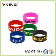 Novos produtos na China Mercado Debossed pulseiras de silicone