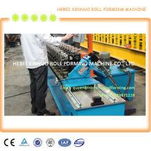 rollo de metal y rodillo que forma la máquina