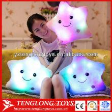 Arco iris en forma de estrella luz brillante LED almohada
