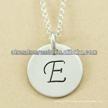 High polonês aço inoxidável alfabeto E encantos pingente de colar atacado letter encantos