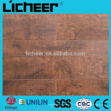 Meilleur prix AC3 / AC4 Silk Surface Laminate Wooden Floor